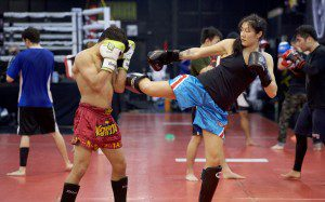 Muay Thai Kickboxing Swing Kick